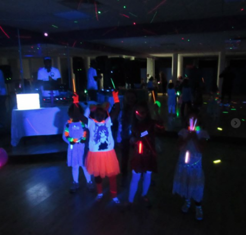 Our partygoers getting ready for the dance-floor!